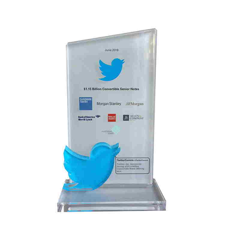Twitter Crystal Deal Toy